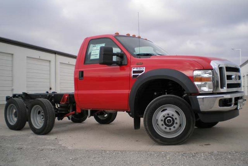 Ford F550 6x6 | Autos Post